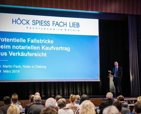 """Vortrag """"Potenzielle Fallstricke beim notariellen Kaufvertrag aus Verkäufersicht"""" des Notars Dr. Martin Fach aus Dieburg"""