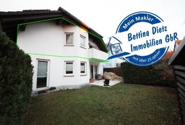 DIETZ: Gemütliche Dachgeschosswohnung im ersten Obergeschoss mit Balkon, 63456 Hanau, Dachgeschosswohnung