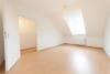 DIETZ: Frisch renovierte 3 Zi. Wohnung mit Balkon in Lützenkirchen! Besichtigung am Sa. 21.03.2020 möglich! - Schlafzimmer 1 von 2