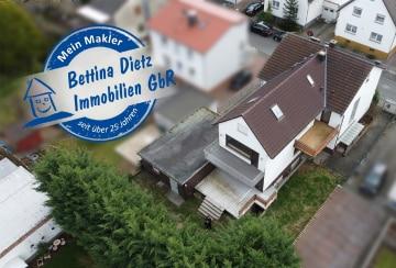 DIETZ: Großes Zweifamilienhaus mit moderner Doppelgarage in ruhiger Lage von Gundernhausen!, 64380 Roßdorf, Mehrfamilienhaus