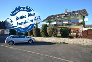 DIETZ: Große Etagenwohnung mit herrlichem Balkon! Wald- und Feldrandnähe im 3-Familienhaus!, 64859 Eppertshausen, Maisonettewohnung