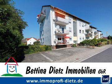 DIETZ: Feine Single / Pärchenwohnung mit Garage und Gartennutzung, 64807 Dieburg, Dachgeschosswohnung