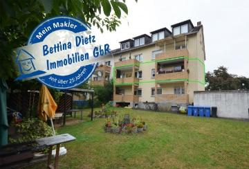 DIETZ: Große 5-Zimmer-Wohnung (2 Wohnungen verbunden) im ersten OG mit 2 Balkonen und 2 Garagen!, 64832 Babenhausen, Etagenwohnung