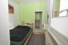 DIETZ: VERMIETET! Gut aufgeteilte 2-Zimmer-Wohnung mit Einbauküche und beheiztem 19qm Lagerraum! - Schlafzimmer 1 von 1