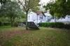 DIETZ: VERMIETET! Gut aufgeteilte 2-Zimmer-Wohnung mit Einbauküche und beheiztem 19qm Lagerraum! - Großer Garten