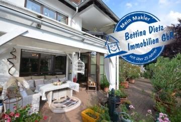 **VERKAUFT**DIETZ: 3-Familienhaus der besonderen Art in einer traumhaften Lage, 64823 Groß-Umstadt, Mehrfamilienhaus