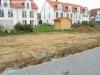 Nagelneue DHH (5 Zimmer) hochwertig mit Granitböden. Fußbodenheizung usw. Mit trendiger Architektur - Der Blick von der Terrasse in den Garten