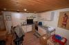 **VERMIETET**  Stimmungsvolle Hofreite - modernisiert- mit 2 Wohnungen - Blick in die Küche vom Nebengebäude