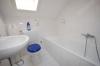 ***VERMIETET*** Gemütliche, Sonnige 2 Zimmer Wohnung im gepflegten 6 Familienhaus - Badezimmer mit Badewanne