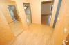 ***VERMIETET*** Gemütliche, Sonnige 2 Zimmer Wohnung im gepflegten 6 Familienhaus - heller gepflegter Eingangsbereich mit Platz für einen PC