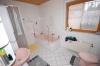 **VERMIETET**  Günstige und gepflegte Doppelhaushälfte mit Garage in fast zentraler Lage. ( mit 4 Schlafzimmern) - Tageslichtbad mit Dusche und Wanne