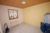 **VERMIETET**  Günstige und gepflegte Doppelhaushälfte mit Garage in fast zentraler Lage. ( mit 4 Schlafzimmern) - Schlafzimmer 1