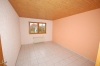 **VERMIETET**  Günstige und gepflegte Doppelhaushälfte mit Garage in fast zentraler Lage. ( mit 4 Schlafzimmern) - Schlafzimmer 3