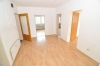Helle moderne 3-4 Zimmer Wohnung mit Balkon und Einbauküche  im Obergeschoss eines gepflegten 2 Familienhaus! - Großzügiger Dielenbereich