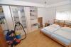 Helle moderne 3 Zimmer Wohnung mit eigenem Garten und Gäste  WC in gepflegtem 4 FH! Bevorzugte Wohnlage! Renoviert!! - Schlafzimmer 1 von 2