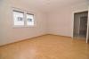 Herrliche 2 Zi. Wohnung im Erdgeschoss mit Fußbodenheizung! Mit Gartenmitbenutzung, Stellplatz, Tageslichtbadezimmer uvm. - Weitere Wohnzimmeransicht