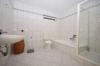 **VERMIETET**DIETZ: Große 2 Zimmerwohnung mit SÜD-Balkon, große überdachte Terrasse, Einbauküche, Badewanne und Dusche - Modernes Badezimmer