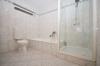 **VERMIETET**DIETZ: Große 2 Zimmerwohnung mit SÜD-Balkon, große überdachte Terrasse, Einbauküche, Badewanne und Dusche - Badewanne und große Dusche