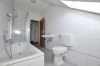 **VERMIETET**DIETZ: Mondernisierte 3 Zi. DG-Wohnung mit Einbauküche in schöner ruhiger Lage, neues BAD+++ Wärmegedämmtes HAUS! - MIT Wanne+Dusche