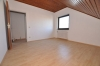 **VERMIETET**DIETZ: Mondernisierte 3 Zi. DG-Wohnung mit Einbauküche in schöner ruhiger Lage, neues BAD+++ Wärmegedämmtes HAUS! - Weitere Ansicht
