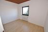 **VERMIETET**DIETZ: Mondernisierte 3 Zi. DG-Wohnung mit Einbauküche in schöner ruhiger Lage, neues BAD+++ Wärmegedämmtes HAUS! - Schlafzimmer 2 von 2