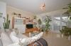**VERMIETET**DIETZ: 2 Zimmer Erdgeschosswohnung mit extrabreiter Garage SÜD-WEST-Balkon, Fußbodenheizung, Solaranlage -KfW-60-Haus - Wohnbereich mit Terrassenzugang