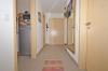 **VERMIETET**DIETZ: 2 Zimmer Erdgeschosswohnung mit extrabreiter Garage SÜD-WEST-Balkon, Fußbodenheizung, Solaranlage -KfW-60-Haus - Dielenbereich