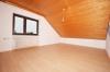 **VERMIETET**DIETZ: Modernisierte 3,5 Zimmerwohnung mit Balkon Einbauküche - nagelneues Tageslichtbad - Garage - Feldrand! - Schlafzimmer 1 von 2