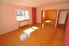 *VERMIETET* Sonnige großzügie 3 - 4 Zimmer Wohnung mit Balkon,  Garage und Tageslichtbadezimmer m. Wanne u. Dusche! - Wohn- / Essbereich Ansicht 2