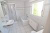 *VERMIETET* Sonnige großzügie 3 - 4 Zimmer Wohnung mit Balkon,  Garage und Tageslichtbadezimmer m. Wanne u. Dusche! - TGL-Bad mit Wanne u. Dusche
