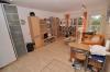 **VERMIETET**DIETZ: Appartment (voll möbliert) mit rabattierter Provision + Balkon + KFZ- Stellplatz! Einfach Koffer packen und einziehen! - Blick in Wohn-/Schlafbereich