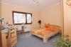 DIETZ: Freistehendes Einfamilienhaus mit großem Garten und Garage! - Schlafzimmer 1 von 4