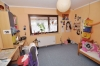 DIETZ: Freistehendes Einfamilienhaus mit großem Garten und Garage! - Schlafzimmer 4 von 4