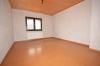**VERMIETET**DIETZ: 210 m² für 2 Familien - 2 Balkone - 3 Tageslichtbäder Eigener Garten und Freisitz - Doppelgarage - RIESIG - Schlafzimmer 1 von 3 (2.OG)