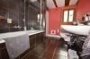 **VERMIETET** DIETZ: Traumhafte, modernisierte Hofreite mit Stallungen, Scheunen, Gewölbekeller, große Schlaf- und Wohnzimmer! - Modernes Tageslichtbad