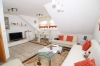 **VERMIETET**DIETZ: Moderne 3 Zimmerwohnung mit Balkon, Fussbodenheizung, Wanne+Dusche, PKW-Stellplatz - Blick ins helle Wohnzimmer
