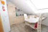 **VERMIETET**DIETZ: Moderne 3 Zimmerwohnung mit Balkon, Fussbodenheizung, Wanne+Dusche, PKW-Stellplatz - Küche mit Platz für einen Esstisch