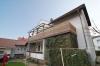 **Vermietet** DIETZ: 3,5 Zimmer 85 m² - GÜNSTIG, GROSS und GUT Riesiger Südbalkon -Tageslichtbad mit großer Dusche - 2 Fam. - Außenansicht 2 Familienhaus