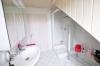 **VERMIETET**DIETZ: Stilvolle Maisonette-Wohnung direkt in Eppertshausen mit Einbauküche, 2 Bädern, Balkon, Stellplatz uvm.!! - Tageslichtbad 1