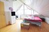 **VERMIETET**DIETZ: Stilvolle Maisonette-Wohnung direkt in Eppertshausen mit Einbauküche, 2 Bädern, Balkon, Stellplatz uvm.!! - Schlafzimmer 2 im DG