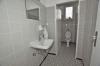 **VERMIETET**DIETZ: 200 m² Verkaufs-, Produktions- und Bürofläche in guter Lage direkt in Schaafheim - WC 1 von 2