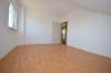 **VERMIETET** DIETZ: Günstige, renovierte 3,5 Zimmerwohnung in Dieburg Badewanne - PKW-Stellplatz - Süd-Ost-Balkon - Schlafzimmer 1 von 2