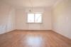 **VERMIETET** DIETZ: Frisch renovierte 3 Zimmerwohnung im neusanierten 4 Familienhaus,  in super Randlage - Schlafzimmer 1 von 2