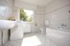 **VERMIETET** DIETZ: Frisch renovierte 3 Zimmerwohnung im neusanierten 4 Familienhaus,  in super Randlage - Tageslichtbad mit Badewanne