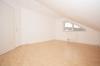 **VERMIETET**DIETZ: Schicke, trendige 3 Zimmerwohnung mit Blick ins Grüne (große Dachloggia) - Schlafzimmer 1 von 2