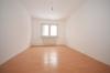**VERMIETET**DIETZ: Moderne 3 Zimmerwohnung mit gehobener Ausstattung! Opt. Garage - Einbauküche inklusive - Schlafzimmer 1 von 2