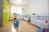 **VERMIETET**DIETZ TIPTOP 4 Zimmer Terrassenwohnung - Wanne+Dusche - Gäste-WC - 2 Terrassen - Stellplatz - Schlafzimmer 2 von 3