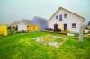 **VERMIETET**DIETZ: Teilmöblierte Dachgeschosswohnung mit Einbauküche Gartennutzung Fußbodenheizung Neubaugebiet Hergershausen! - Außenansicht mit Gartennutzung