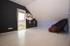 **VERMIETET**DIETZ: Teilmöblierte Dachgeschosswohnung mit Einbauküche Gartennutzung Fußbodenheizung Neubaugebiet Hergershausen! - Schlafzimmer 2 von 2