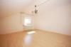 **VERMIETET**DIETZ: 3,5 Zimmerwohnung mit Einbauküche im Dachgeschoss eines 3 Fam-Haus in Münster für 3 Personen - Wohnzimmer